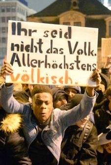 Gegendemonstrant in Frankfurt